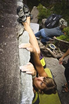 www.boulderingonline.pl Rock climbing and bouldering pictures and news Nora Grosse Photo: A