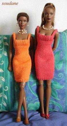 Oranje en rood gebreide jurk