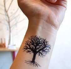 Oak Tree Tattoo For Women Tatoo 40 Ideas Bodhi Tree Tattoo, Wrist Tree Tattoo, Tree Tattoo Men, Wrist Tattoos For Guys, Tree Tattoo Designs, Back Tattoo, Tattoo Forearm, Trendy Tattoos, Small Tattoos