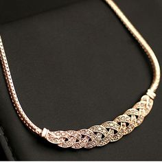 High Quality Acrylic Romantic Choker Chain Necklace New Design Spiral Costume Jewelry Female Fashion Accessories Collier Femme