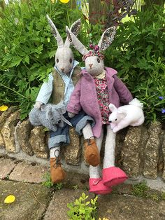 Plushie Bunnies , perfect for Easter gifts or decorations Luna's Birthday Competition July 2017 Fabric Animals, Felt Animals, Singer Sewing Tables, Modern Toys, Fabric Toys, Woodland Creatures, Sewing Toys, Recycled Art, Soft Dolls