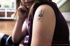 Tech Tats by Chaotic Moon. Since the beginning of the Quantified Self Movement, designers have struggled to create wearable tech that people actually want to wear, and that doesn't make the wearer look like a raging Gl… Electronic Tattoo, Electronic Shop, Wearable Device, Wearable Technology, Fashion Technology, Electronics Projects, Diy Electronics, Circuit Board Tattoo, Chaotic Moon