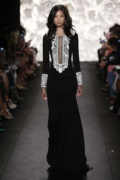 Naeem Khan RTW Spring 2015 - Slideshow - Runway, Fashion Week, Fashion Shows, Reviews and Fashion Images - WWD.com: