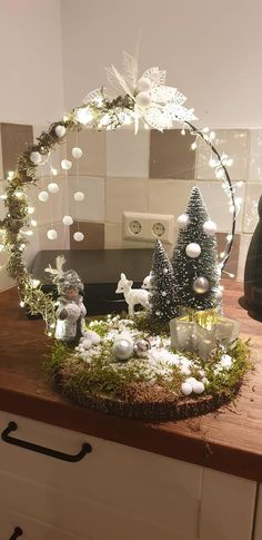 Beautiful Christmas Decorations, Christmas Lanterns, Xmas Decorations, Christmas Art, Christmas Projects, Christmas Holidays, Christmas Wreaths, Christmas Ornaments, Christmas Arrangements