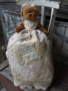 Bears and Old Lace: ANTIQUE STYLE BEAR DRESSES