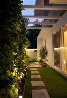 Here you will find photos of interior design ideas. Get inspired! Home Garden Design, Backyard Garden Design, Interior Garden, Terrace Garden, Interior Design, Small Backyard Landscaping, Modern Backyard, Backyard Patio, Courtyard Design
