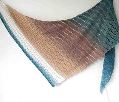 Crochet Cake, Knit Or Crochet, Crochet Scarves, Crochet Clothes, Beginner Crochet, Crochet Sweaters, Crochet Things, Crochet Wrap Pattern, Crochet Patterns