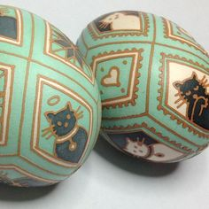 brown etched eggs with custom mixed dye Egg Crafts, Easter Crafts, Easter Food, Egg Pictures, Egg Tree, Easter Egg Designs, Brown Eggs, Ukrainian Easter Eggs, Popular Crafts