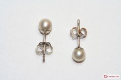 Pearl Earrings 4-4½mm in Gold 18K  Orecchini Perle 4-4½mm in Oro 18K  #jewelery #luxury #trend #fashion #style #italianstyle #lifestyle #gold #store #collection #shop #shopping #showroom #mode #chic #love #loveit #lovely #style #all_shots #beautiful #pretty #madeinitaly #earrings #earringsforsale