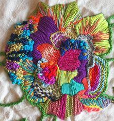 @cosiobordaotejio Shirt Embroidery, Silk Ribbon Embroidery, Embroidery Thread, Cross Stitch Embroidery, Embroidery Patterns, Crystal Embroidery, Needlepoint Stitches, Ribbon Art, Fabric Decor