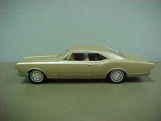 1965 Oldsmobile Dynamic 88 2 Door Ht promo model Bronze