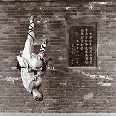 by Isabel Muñoz   Shaolin Monk