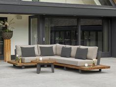 Deze luxe Fitz Roy loungeset is een prachtige set die bestaat uit een hoekbank met zijtafels en een salontafel. Ultiem ontspannen is gegarandeerd in deze loungeset. De lounge is voorzien van weersbestendig muisgrijs All Weather kussens. Ook is deze set voorzien van een extra diep zitvlak wat voor nog meer comfort zorgt. Het lava aluminium frame geeft een mooi contrast bij het warme teakhout. Doordat de achterkant van de bank een open karakter heeft, geeft het een ruimtelijk gevoel in de… Garden Furniture, Outdoor Furniture Sets, Outdoor Decor, Outdoor Sectional, Sectional Sofa, Woodworking Projects Diy, Diy Projects, Lava, Bungalow