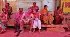 HOLI FESTIVAL, O FESTIVAL DAS CORES - ÍNDIA. Participar de festivais durante uma longa viagem pelo mundo é uma ótima forma de conhecer e interagir com a cultura local. Nós participamos do Holi Festival na Índia. Conheça mais sobre o incrível festival das cores.