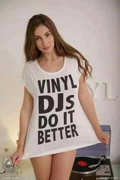 Girls Gone Vinyl Lps, Vinyl Music, Vinyl Records, House Music, Music Is Life, Dj Setup, Gaming Setup, Connie Carter, Dj Gear