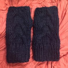 Urban Outfitters fingerless gloves Navy knitted fingerless gloves Accessories Gloves & Mittens
