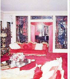 Graceland when it was Red and Linda Thompson was. - Elvis never left
