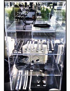 Svartvita rum Espresso Machine, Rum, Stove, Coffee Maker, Kitchen Appliances, Espresso Coffee Machine, Coffee Maker Machine, Diy Kitchen Appliances, Coffee Percolator