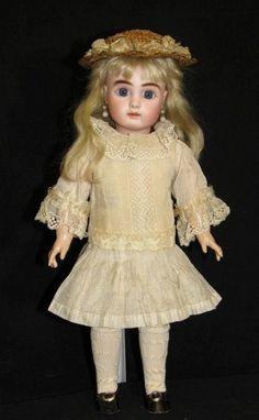 "14"" Steiner A for Au Nain Bleu - Outstanding - Faraway Antique Shop #dollshopsunited"
