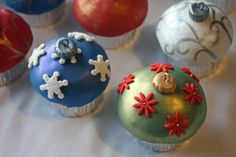 Christmas Cupcakes All Dressed Up Around The World In 80 Cakes