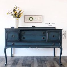 Blue Moon Milk Paint from General Finishes . New low VOC formula -Quart size.