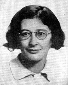 """Simone Weil (1909,1943) nace en el seno de una familia hebrea intelectual y laica. Estudia filosofía y literatura clásica, es alumna de Alain (Èmile Chartier). A los 19 años ingresa, con la calificación más alta, seguida por Simone de Beauvoir, en la Escuela Normal Superior de París. Discute sobre la situación rusa, Stalin, y la doctrina marxista. Sus obras destacan """"La opresión y la libertad"""", """"Las raíces del existir"""" o """"La fuente griega""""."""