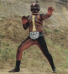 """ヤモゲラス Yamogeras """"the Gecko man"""" on Masked Rider"""