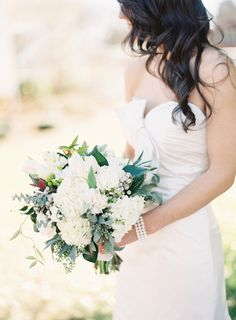 green + white bouquet with lots of texture | Landon Jacob #wedding