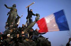 villes - Dans de nombreuses villes en France et à travers le monde, des millions de personnes se sont rassemblées en hommage aux victimes des attentats survenus en France du 7 au 9 janvier 2015.