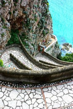 Via Krupp, Isle of Capri, Italy is as beautiful as we imagine the fictional island Castellamare in THE HOUSE AT THE EDGE OF NIGHT by Catherine Banner to be! On-sale 7/12/16. #ItalyTravelInspiration