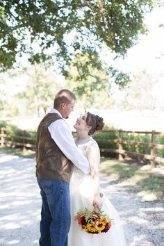 Rebekka & Shawn's Rustic Fall Wedding at Timberline Barn|Photographer: O'Bryan Photographer
