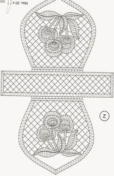 Encajeras la Hilandera: enero 2015 Bobbin Lace Patterns, Bead Embroidery Patterns, Beaded Embroidery, Bobbin Lacemaking, Lace Bag, Lace Heart, Lace Jewelry, Needle Lace, Crochet Purses