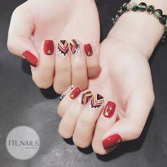 Không có mô tả ảnh. Pretty Nail Designs, Pretty Nail Art, Nail Art Designs, Line Nail Art, Gel Nail Art, Luv Nails, Swag Nails, Basic Nails, Simple Nails