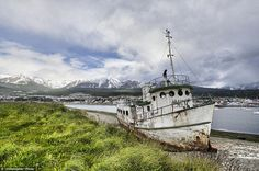 30 Beautifully Haunting Shipwrecks From Around the World Where ships go to die: Ushuaia, Argentina. Ushuaia, Abandoned Ships, Abandoned Places, Port Of Spain, Fraser Island, Naval History, Draw On Photos, Shipwreck, Canary Islands