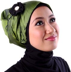 Earth Heir Silk Plain Scarf in Olive, Brand: EARTH HEIR Product Code: EH10142SCSKOV01 Availability: In Stock Order through Whatsapp/SMS: 019-292-5245 Expected delivery time (2-3 working days) RM180