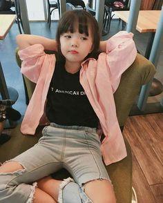 Super baby korean boy and girl Ideas Cute Asian Babies, Korean Babies, Asian Kids, Cute Korean Girl, Cute Babies, Cute Baby Boy, Cute Little Baby, Cute Kids, Mode Ulzzang