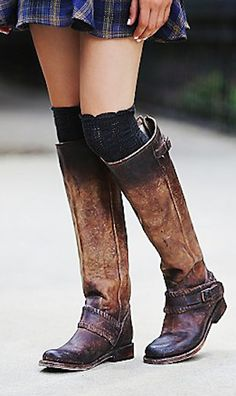 gorgeous distressed leather boots http://rstyle.me/n/pypghr9te