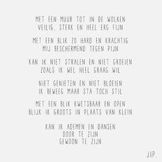 575 vind-ik-leuks, 22 reacties - Gewoon JIP. - Korte Gedichten (@jip_gewoon) op Instagram: 'De kracht van de kwetsbaarheid.. Wat vind jij? X JIP.'