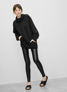 Wilfred Free Daria legging, available at Aritzia.com.