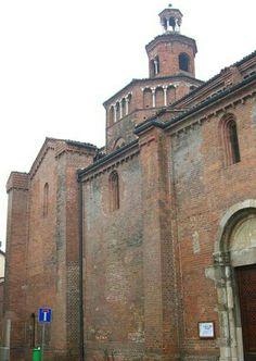 Fianco sinistro della Chiesa di San Teodoro a Pavia.  XII secolo