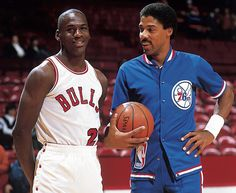 Michael Jordan and Julius Erving talk before a Nov. Jordan scored 16 points with seven assists and five rebounds in a loss. (Manny Millan/SI) GALLERY: Classic Photos of Michael Jordan Sport Basketball, Basketball Pictures, Basketball Legends, Love And Basketball, Sports Pictures, Basketball Players, Jordan Basketball, Basketball History, Indoor Basketball