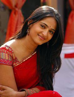 awesome Beautiful South Indian Actress Anushka Shetty