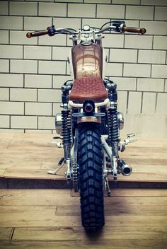KINGSTON CUSTOM - HONDA CB550 Brat Style #motorcycles