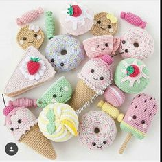 Crochet Big Flappy Ear Bunny Amigurumi Free PatternQuick and easy free crochet bee pattern! Crochet Cake, Crochet Food, Crochet Patterns Amigurumi, Crochet Crafts, Crochet Dolls, Crochet Projects, Cat Amigurumi, Crochet Ideas, Kawaii Crochet