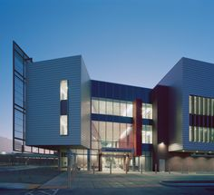University of Arizona Medical Center South Campus / Cannon Design + CDG Architects