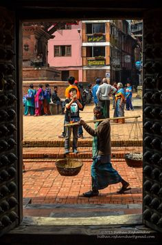 This photo was taken in Patan Durbar Square. Camera: NIKON D5100 Lens: Nikkor 18-55 mm VR f-stop: f/14 Shutter: 1/320 sec ISO: 320 Focal length: 44 mm Date: 28 Feb 2015