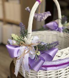 Easter Baskets, Gift Baskets, Wedding Gift Hampers, Creative Gift Packaging, Indian Wedding Gifts, Marriage Decoration, Engagement Decorations, Spring Design, Flower Girl Basket