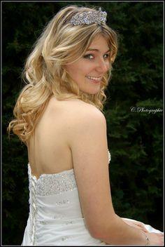 #diadème #crown #dress #blonde #hair #cute #pretty #photographie #photography #shooting #photoshoot #white #girl #fille #femme #woman #women #lady #bride