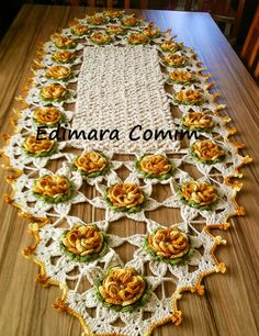 Edimara Comim : Trilho de mesa com a flor caracol
