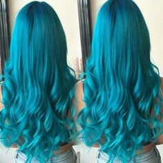 Turquoise Blue Hair Color, Apart from those fabulous blonde, brunette and black hairstyles, you can also try out the amazing blue colored hair to spice up your look. Turquoise Hair Color, Teal Hair, Hair Color Blue, Blonde Color, Cool Hair Color, Green Hair, Blonde Brunette, Hair Colours, Pelo Color Azul
